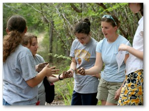 4-H'ers discover key characteristics about tropical soils on an environmental service learning trip to Puerto Rico.